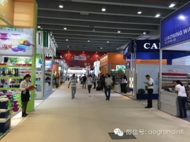 The-pomp-of-our-booth-in-the-Canton-Fair3