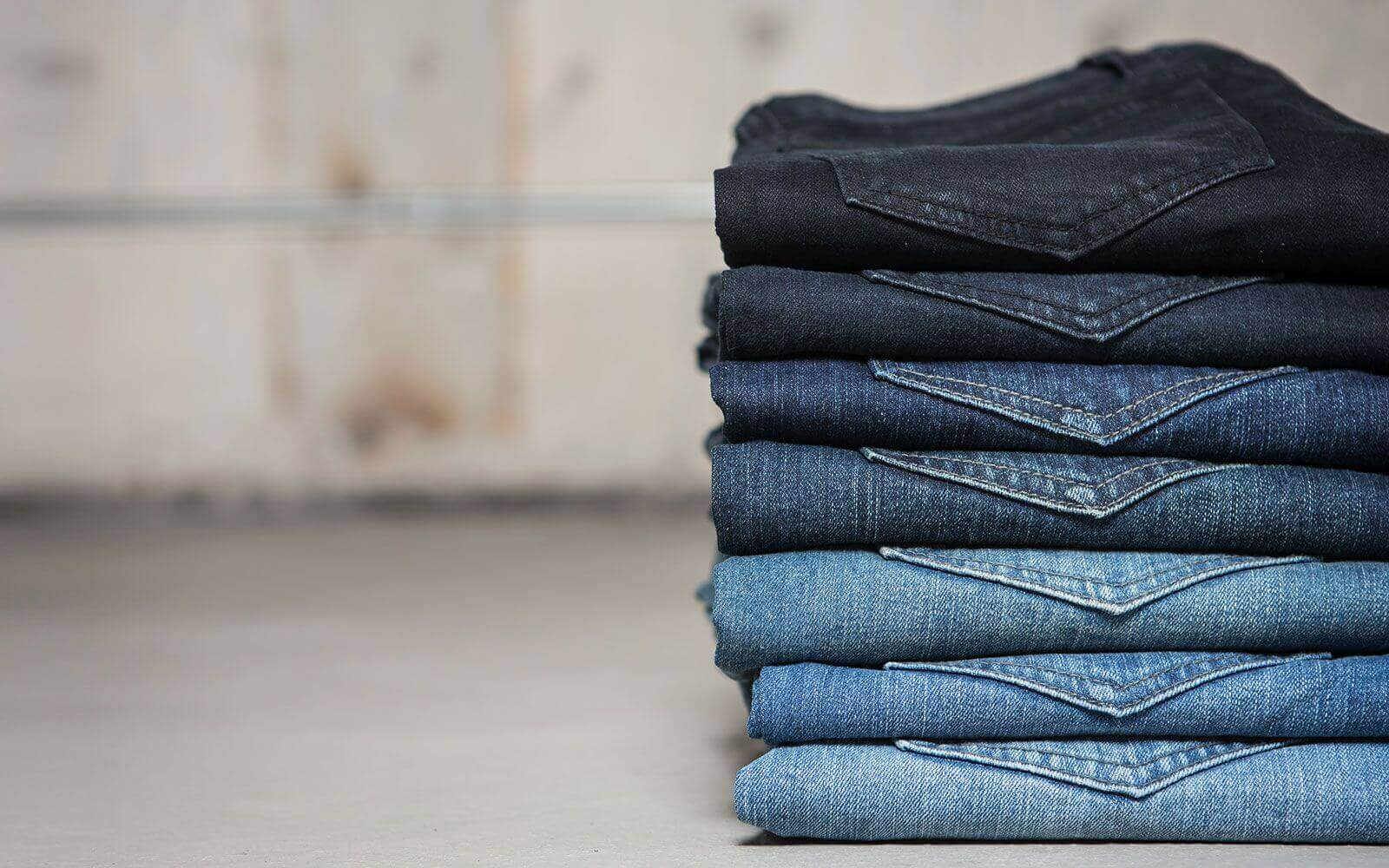 washed-jeans-stack