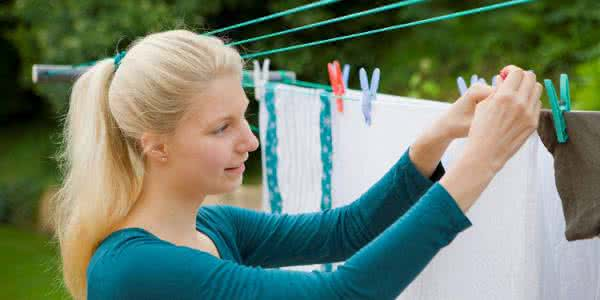 Drying-Clothes-Without-Wrinkles-Needs-Tricks